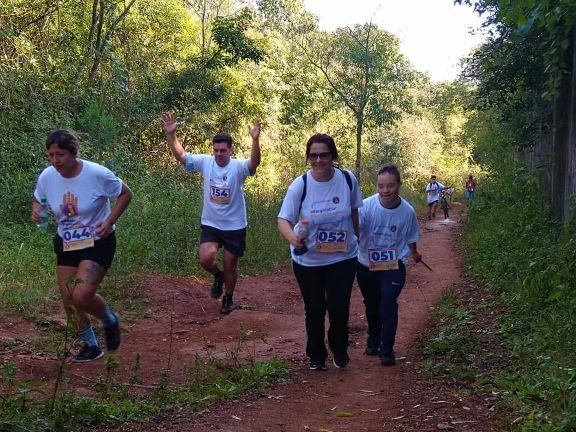 """La """"maratón por la vida"""" contó con la participación de turistas que visitan Iguazú"""
