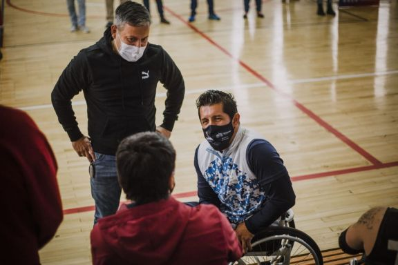 Maldonado transmitió su experiencia de superación y motivó a los deportistas en Puerto Rico