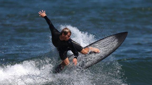 JJ.OO: el surf tuvo su debut en los Juegos Olímpicos y Usuna sigue en carrera