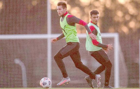 Independiente y Estudiantes juegan el plato fuerte de la fecha