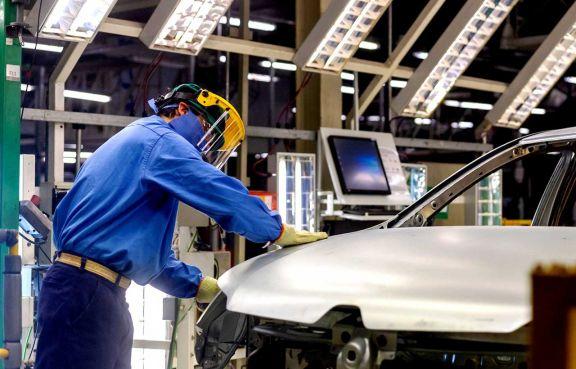 Kulfas destacó el crecimiento sostenido de la industria