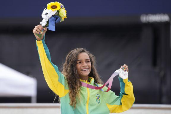 JJOO: Rayssa Leal, plata con 13 años en skate, hada y leyenda del deporte de Brasil