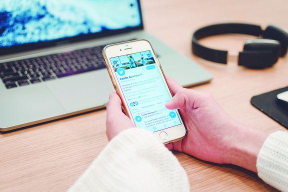 Twitter podría habilitar la opción de editar tuits para usuarios pagos