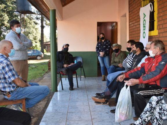 San Pedro: apicultores fueron capacitados para optimizar la producción de sus colmenas