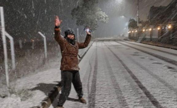 Caída de nieve sorprendió al sur de Brasil con temperaturas por debajo de cero grados