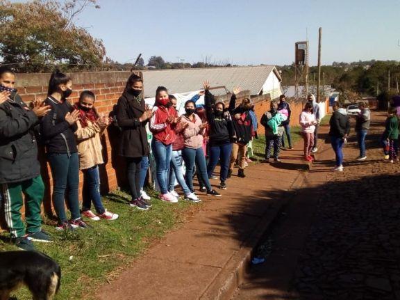 Oberá: en reclamo de un edificio propio, alumnos bloquean el acceso del BOP 112