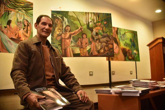 Gerónimo Rodríguez plasma la cultura guayakí en una pared del Cambas