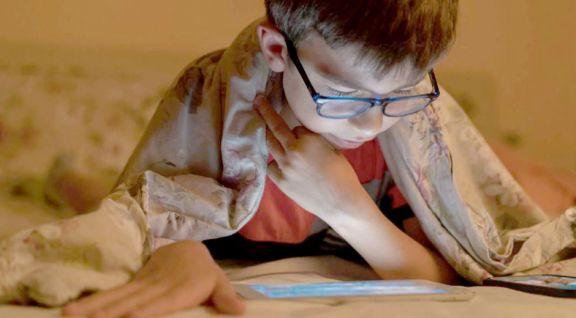 Crecen los casos de miopía  y ojos secos en niños por  uso excesivo de pantallas
