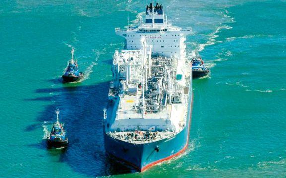 Un buque varado bloquea el comercio exterior argentino