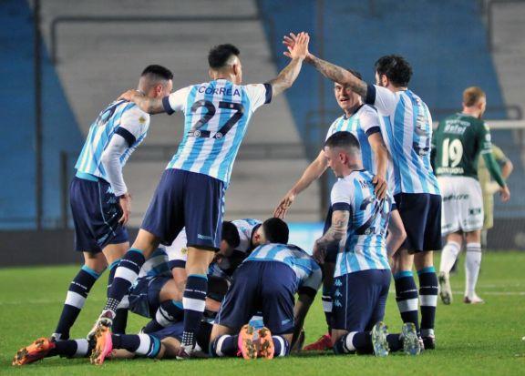 Liga Profesional: Racing venció a Sarmiento y se convirtió en el líder transitorio