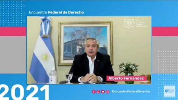"""Fernández propuso """"generar un debate para discutir"""" la duración de los jueces en sus cargos"""