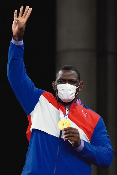 Mijaín López se instala en el olimpo