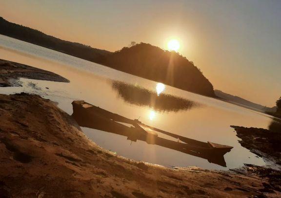 """Bajante del río Paraná en Montecarlo: """"La gente aprovecha para ver algo que nunca había visto"""""""