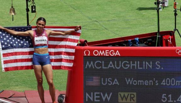 JJ.OO: Batió su propio récord mundial y ganó el oro en 400 metros con vallas