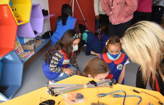 Con base en la tecnología Stem, el primer espacio Maker Kits de la provincia se inauguró en San Pedro