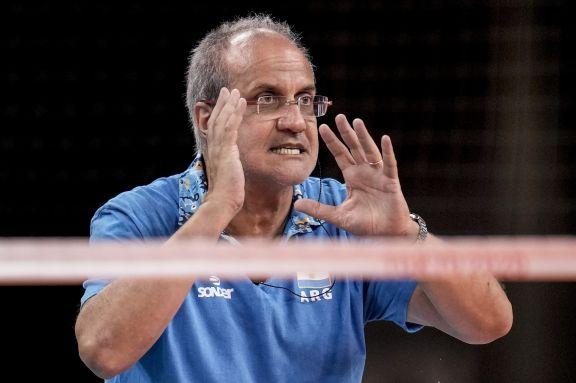 """JJOO: """"El equipo dejó todo y ahora va a pelear por el bronce"""", dijo el DT Marcelo Méndez"""