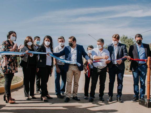 118 años después de su fundación, Profundidad inauguró las primeras cinco cuadras asfaltadas