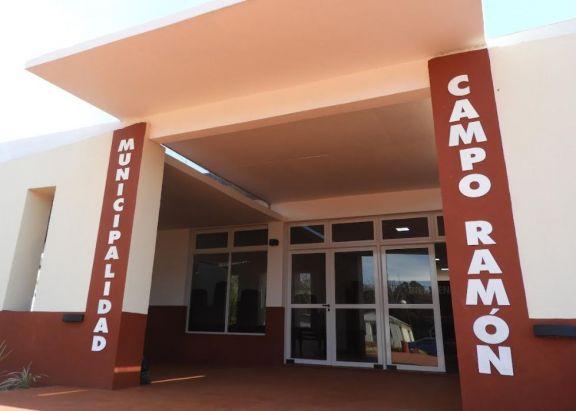 El antiguo edificio municipal de Campo Ramón cierra definitivamente sus puertas este viernes
