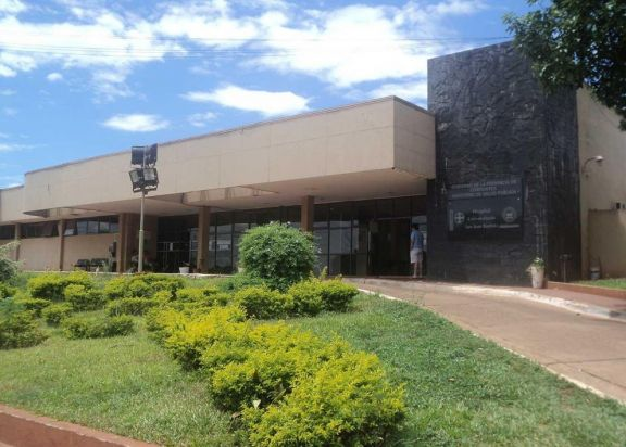 Recrudece el enojo en el hospital de Santo Tomé por los contratos que llegaron