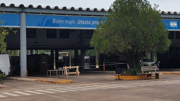 Fernández llega a Iguazú y empresarios analizan la posible apertura fronteriza
