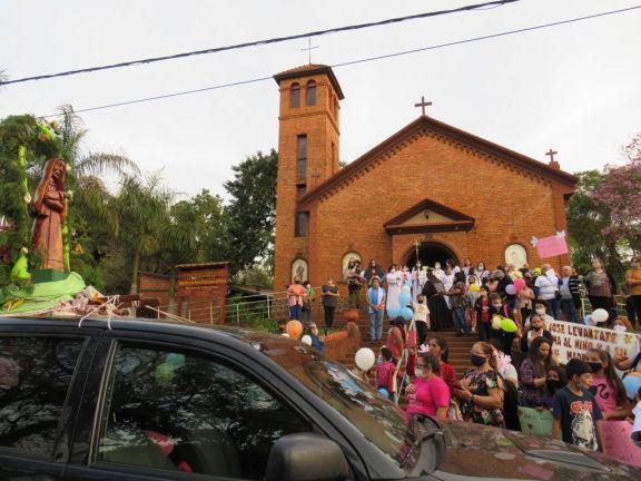 La peregrinación de la imagen de la Vírgen Santa María del Iguazú pasó por Libertad