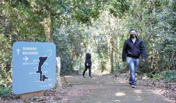 Balance positivo del fin de semana largo para el turismo, con récord de visitantes en el Parque Temático de la Cruz