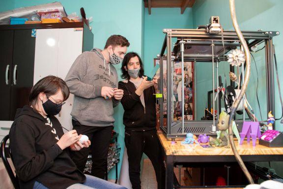 Jóvenes apostaron a la impresión 3D para desarrollar su emprendimiento