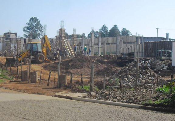 Avanzan las obras de refacciones y ampliaciones del hospital de Irigoyen