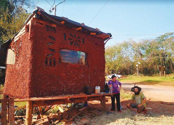 Las bioconstrucciones con barro se multiplican en Iguazú