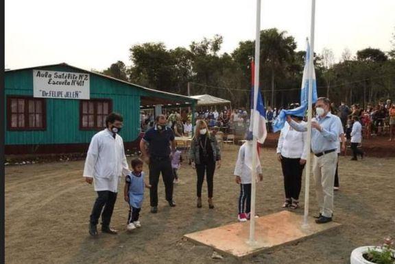 Inauguraron en el barrio San Miguel de Wanda, un aula satélite