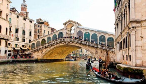 En 2022 los turistas podrían pagar para visitar los canales de Venecia