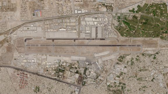 Los talibanes ratifican que mañana tomarán el control del aeropuerto de Kabul