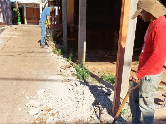 Después de más de 20 años regularizan las conexiones de agua en La Ferinha