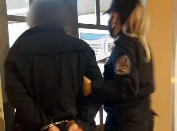 Mujer quedó detenida acusada de provocar el incendio en el que murieron padre e hijo