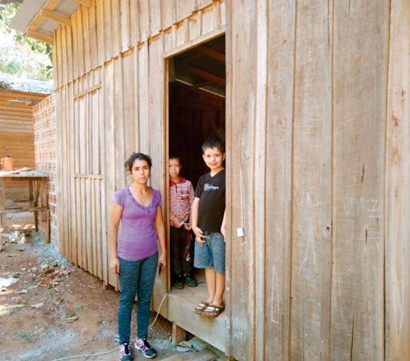 Desalojo y solidaridad: odisea de una madre y sus cinco hijos