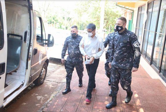 Condenan a ex inspector  a 19 años de cárcel por abusar de sus hijastras