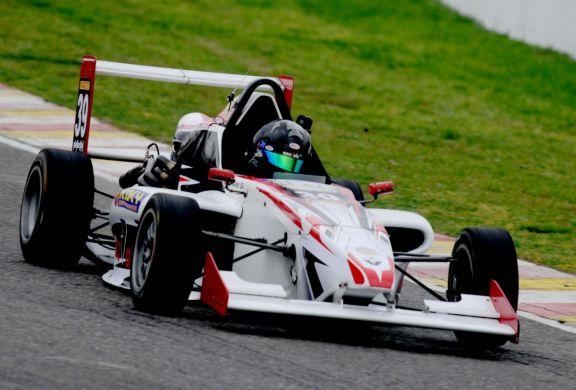 Álvez fue 12° en los ensayos de la Fórmula Renault 2.0 en Buenos Aires
