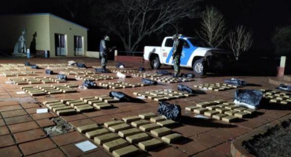 Incautaron más de 300 kilos de marihuana acopiada en Santa Ana
