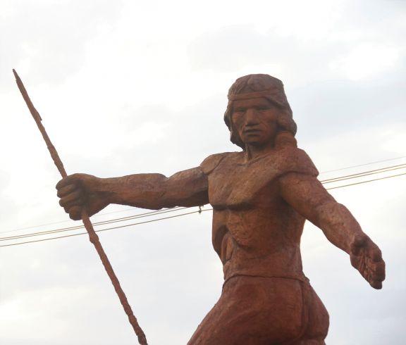 Cacique Oberá, inmortalizado en tierras forjadas por inmigrantes