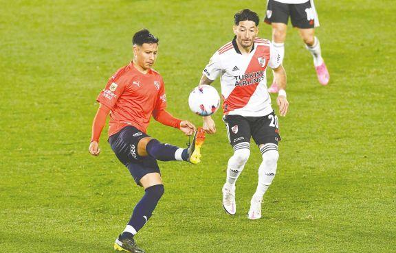River e Independiente empataron 1 a 1 y no pudieron llegar a la punta