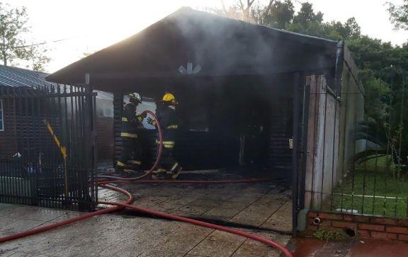 Joven sufrió quemaduras al incendiarse su vivienda en Alem