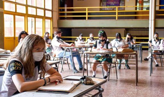 Destacan alto presentismo en mesas de exámenes previas