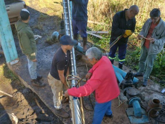 Santo Pipó: instalaron la nueva bomba y se restableció el servicio de agua potable