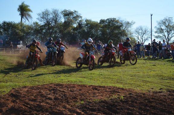 Concepción de la Sierra fue una fiesta con la segunda fecha del Misionero de Motocross