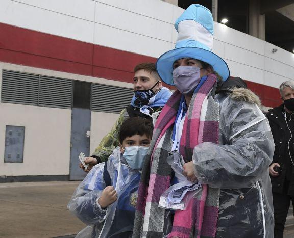 El público regresó a los estadios con alegría por ver a Messi y a la Selección