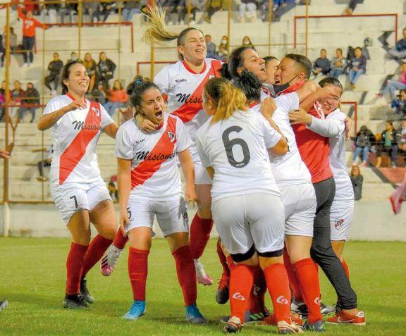 En Villa Sarita se puso en marcha el torneo femenino