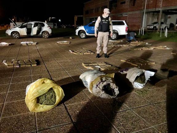 Un automovilista fue detenido en pleno transporte de 270 kilos de marihuana