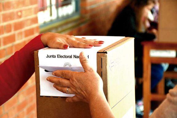 Más de 34 millones de argentinos eligen hoy candidatos en las Paso