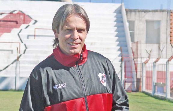 """Marczuk: """"El  ascenso es una necesidad para el club"""""""