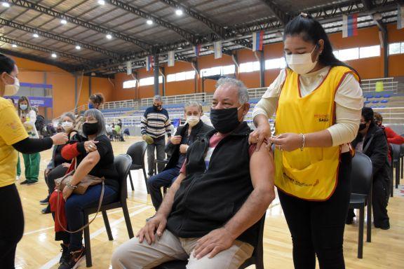 Por el día de la madre, los vacunatorios de la provincia estarán cerrados este domingo